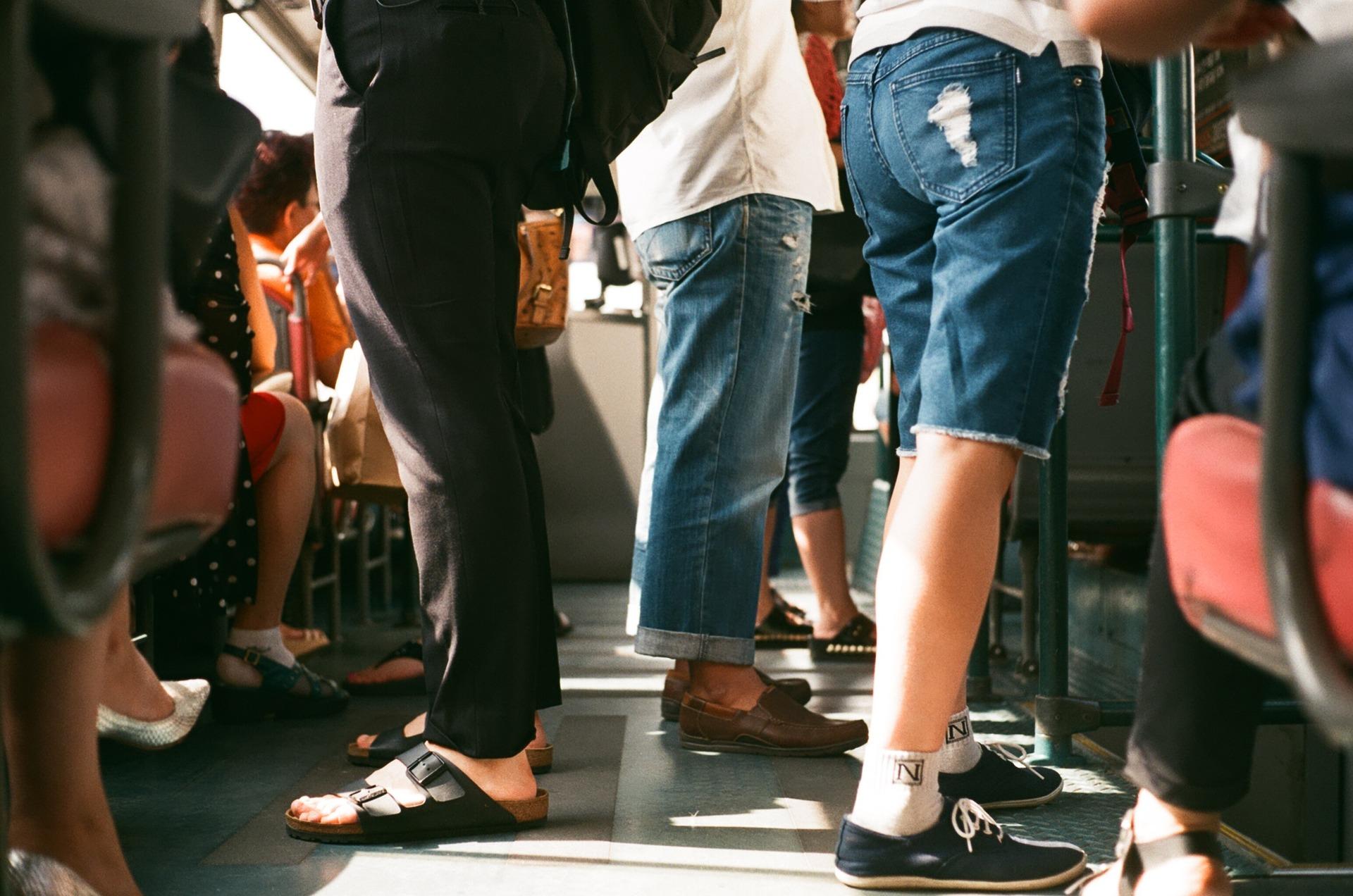 8 Dinge, die Du beim Masturbieren in der S-Bahn beachten